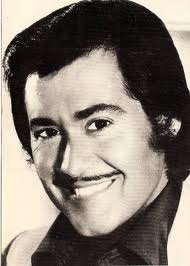 Wayne Newton before any plastic surgery.